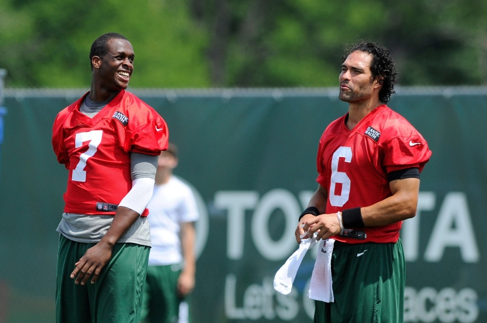 Geno Smith, Mark Sanchez - Rookie Comparison