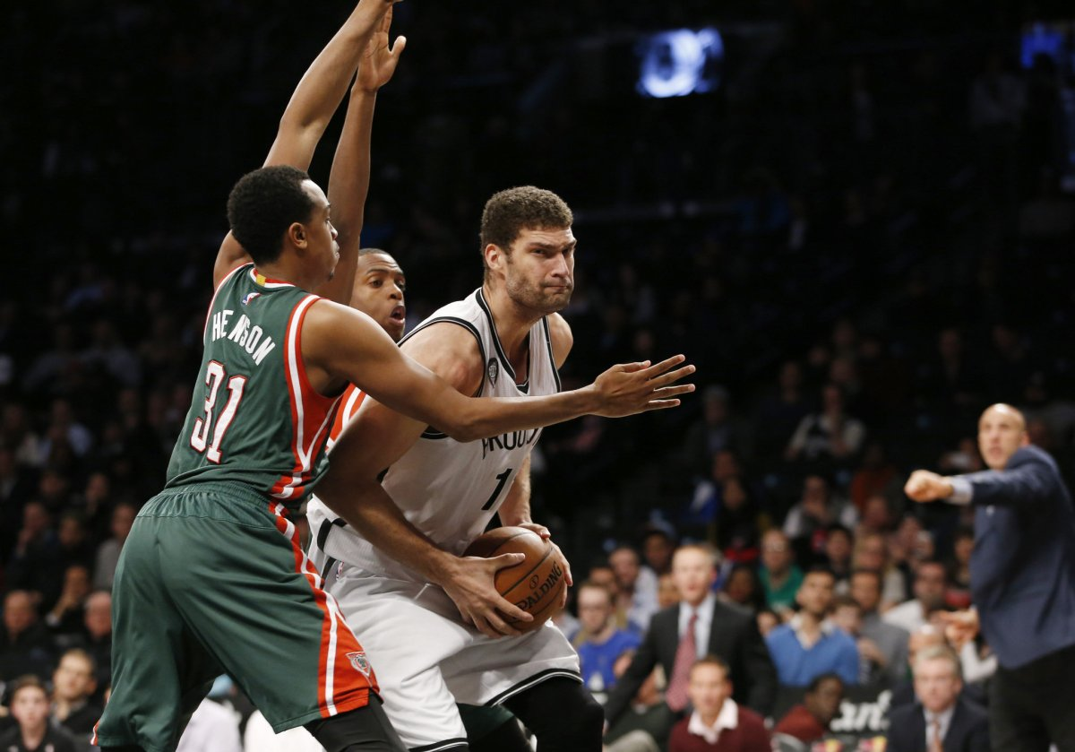 Cavaliers Show Interest in Brook Lopez
